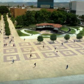 Módulo de servicios y cafetería Forum Cultural Guanajuato